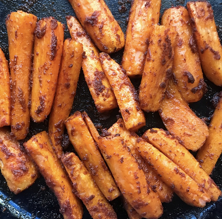FODMAP friendly spiced carrot batons